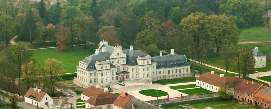 pałac chróstnik